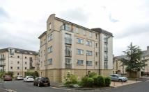 2 bed Flat to rent in Crewe Road North, , EH5