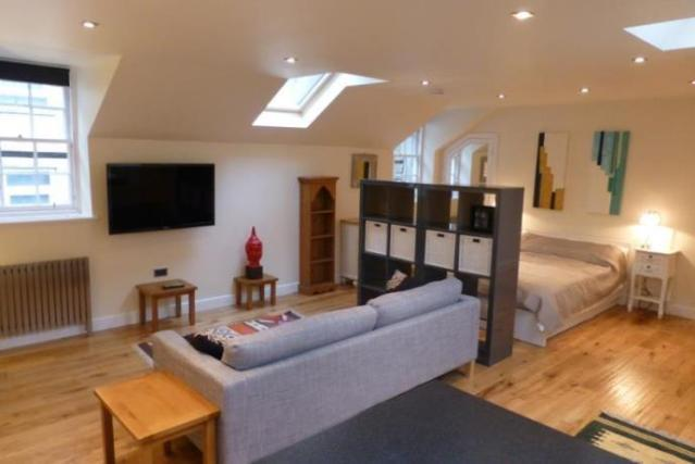 studio flat to rent in melville street lane edinburgh. Black Bedroom Furniture Sets. Home Design Ideas