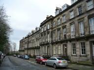 Flat in Oxford Terrace, West End...