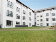 Flat to rent in Brighouse Park Cross...