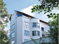 2 bedroom Flat to rent in Brighouse Park Cross...