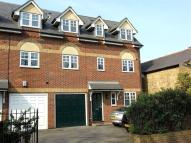 4 bedroom Town House in Church Road, Addlestone...