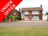 5 bedroom Detached property for sale in Ashford Road, Faversham