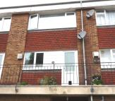 Flat in Sommerville Close...