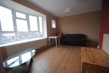 Charlton Crescent Flat to rent