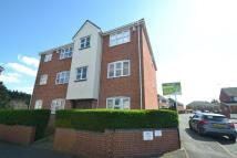Flat to rent in Burdetts Road, Dagenham...