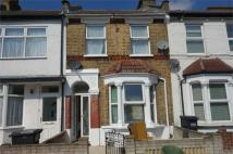 3 bed Terraced property in Sandown Road, London