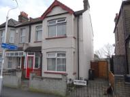3 bedroom End of Terrace property for sale in Macclesfield Road, LONDON