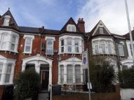 Flat in 235 Holmesdale Road...