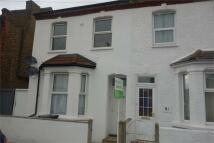 2 bed Flat in Neville Road, Croydon...