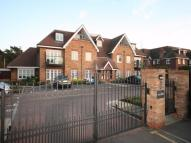 2 bed Apartment in Shoppenhangers Road...