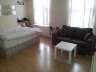 1 bed Studio flat in Essex Road, London, N1