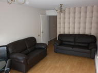 Apartment to rent in Cowdenbeath Path, London...