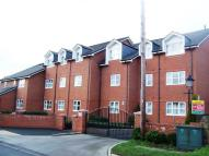 Flat to rent in Milner Road Heswall