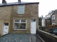 2 bedroom house in Ridehalgh Street, Colne...