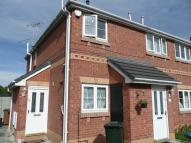 Flat to rent in Colwyn Close...