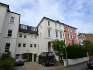 2 bed Flat to rent in Lower Teddington Road...