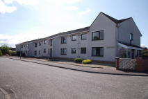 2 bed Flat in 31 Briarhill Court...