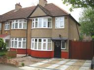 3 bed semi detached property to rent in Isleworth...