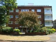 2 bedroom Apartment in Kew Gardens