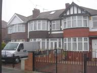 1 bed Terraced property in Thames Avenue, Perivale