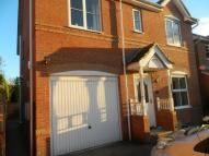 Detached home to rent in Oldfield Close, Ossett...