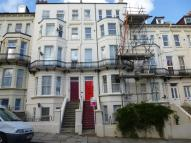 1 bed Flat to rent in Kenilworth Road...