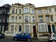Flat to rent in Edward Road...