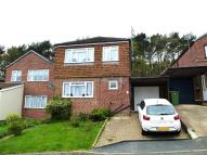 4 bed house in Pinewood Way...