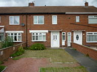 2 bed Terraced property in Drummond Crescent...