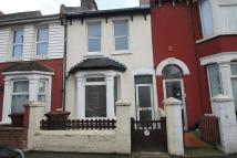 2 bed Terraced property in Cecil Avenue, Rochester...