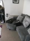 Ground Flat to rent in VIGNOLES ROAD, Romford...
