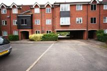 Flat to rent in Millstream Close...
