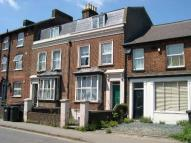 Studio flat in Walsworth Road, Hitchin...