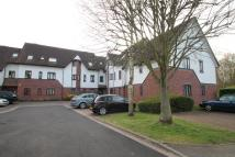 2 bedroom Flat in Wren Drive, West Drayton