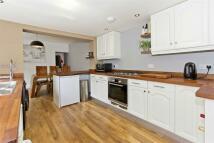 3 bedroom End of Terrace property in 31 Charles Street...
