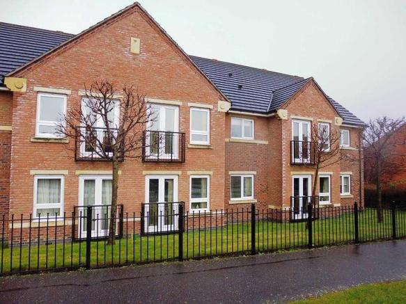 2 Bedroom Apartment To Rent In Eastwood Park Apartments Rempstone Drive Chesterfield S41