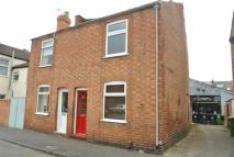 2 bed semi detached house in Cross Road...