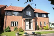 Detached home in Greenfields...