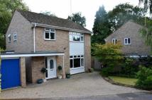 3 bed Detached house in Warwick Crescent...