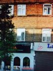 2 bedroom Flat to rent in Dunstable Road, Luton...