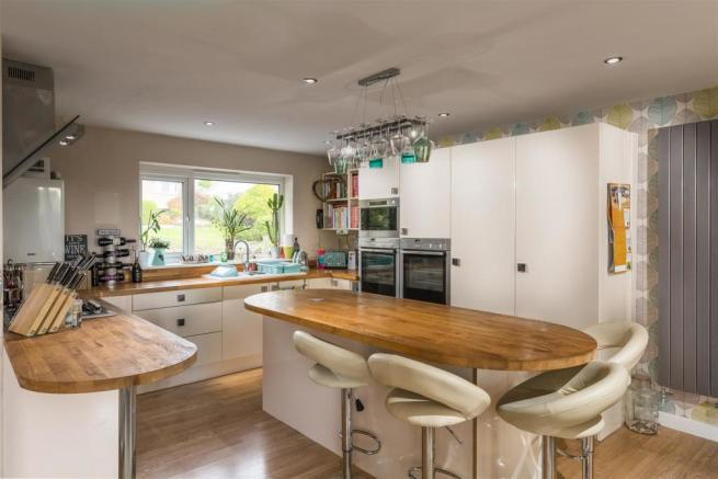 4 chyverton kitchen.jpg