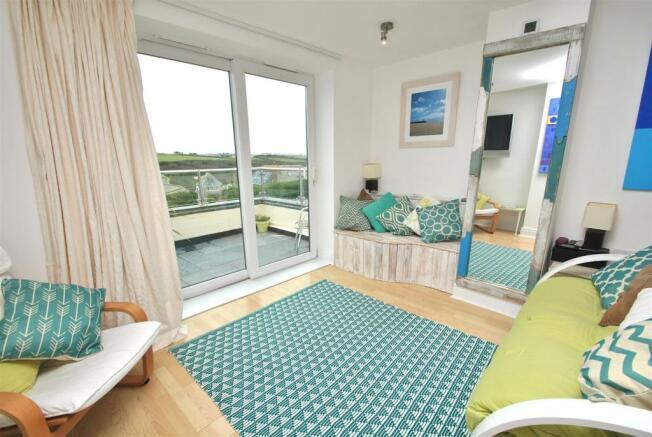 4 Golden Bay Apartments A.JPG