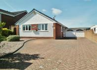 3 bedroom Detached Bungalow in Chatsworth Road...