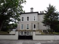 Flat to rent in 22 Westcliffe Road...