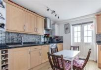 property to rent in Francis Close, E14