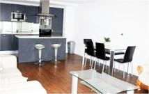Flat to rent in 18 Western Gateway...