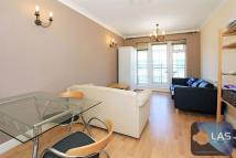 Apartment to rent in 2 bed 2 bath flat close...