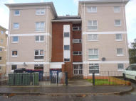 3 bed Flat to rent in Kerr Road, Kilmarnock...