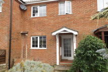 2 bed home in Colden Common